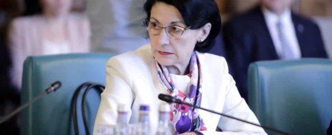 Ecaterina-Andronescu-gov.ro_-960x640